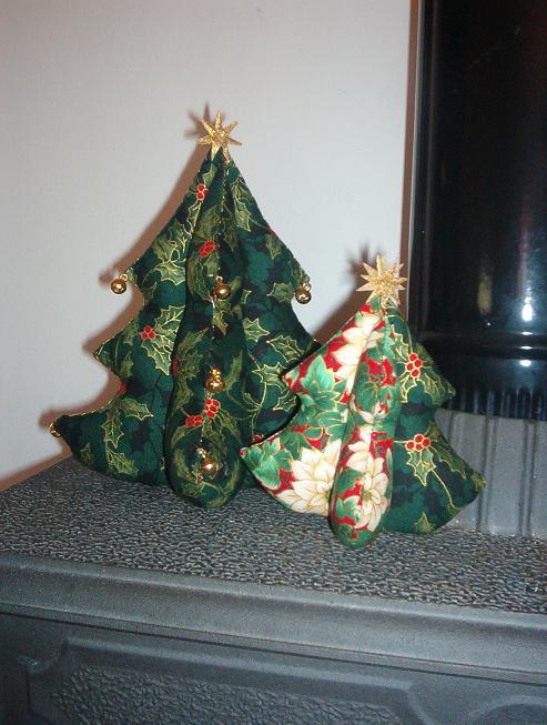 ya tienes listo tu propio rbol de navidad puede servirte como centro de mesa o para decorar el recibidor lo que se te ocurra - Arbol De Navidad De Tela